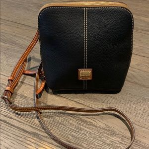 Dooney & Bourke pebble grain crossbody.